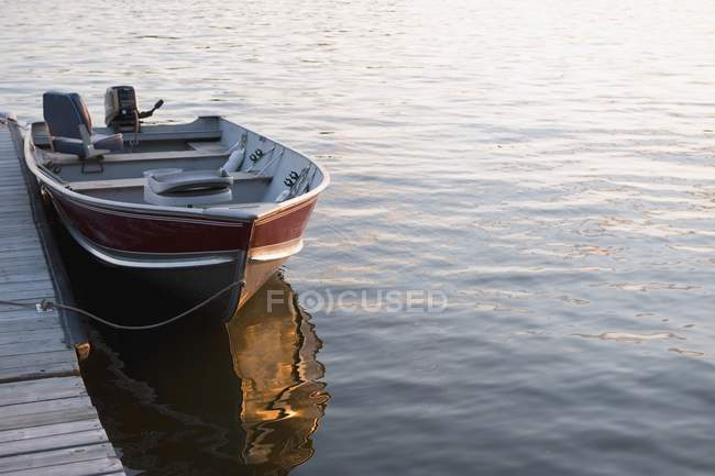 Boat At Dock, Lake Of The Woods — Stock Photo