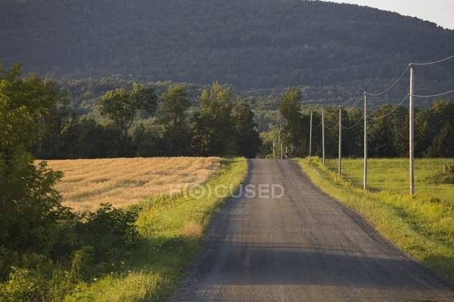 Route de campagne en montagne — Photo de stock