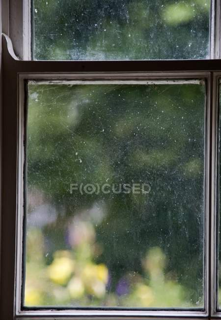 Fenster mit Holzrahmen — Stockfoto