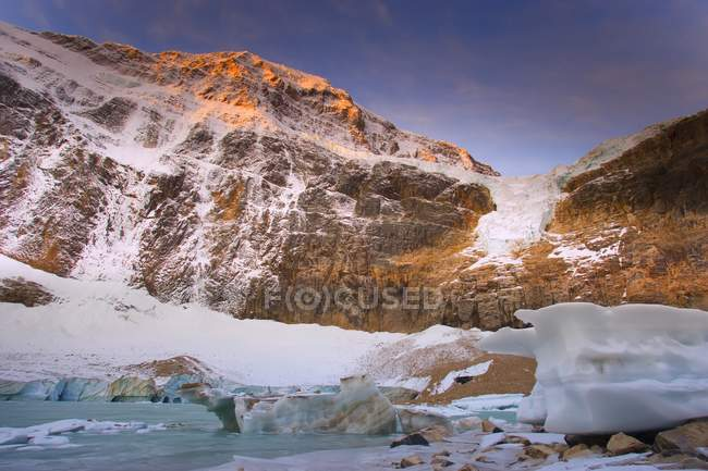 Angel Glacier On Mount Edith Cavell — Stock Photo
