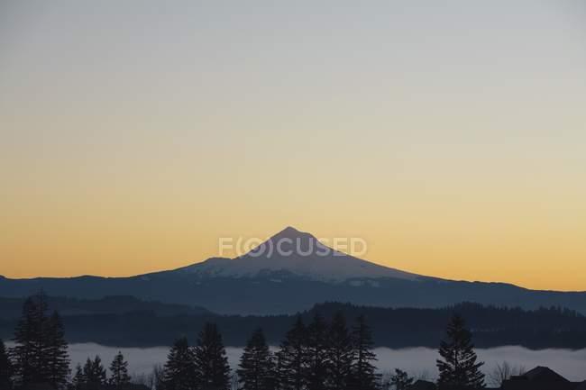 Mountain Peak At Sunrise — Stock Photo