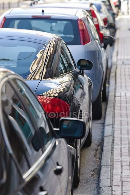 Крыша из припаркованных автомобилей — стоковое фото
