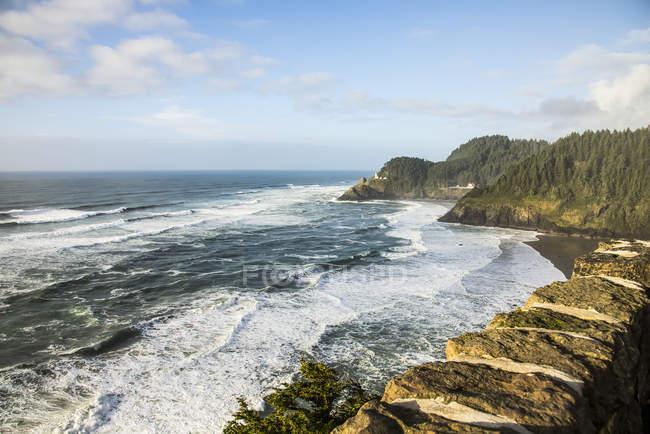 Côte de l'Oregon au nord de Heceta Beach (près de colonie de Lions de mer); Oregon, Etats-Unis d'Amérique — Photo de stock