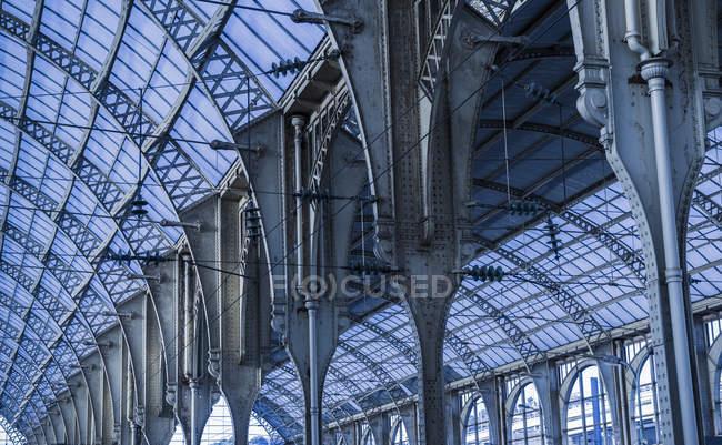 Stazione ferroviaria Interior; Nizza, Costa Azzurra, Francia — Foto stock