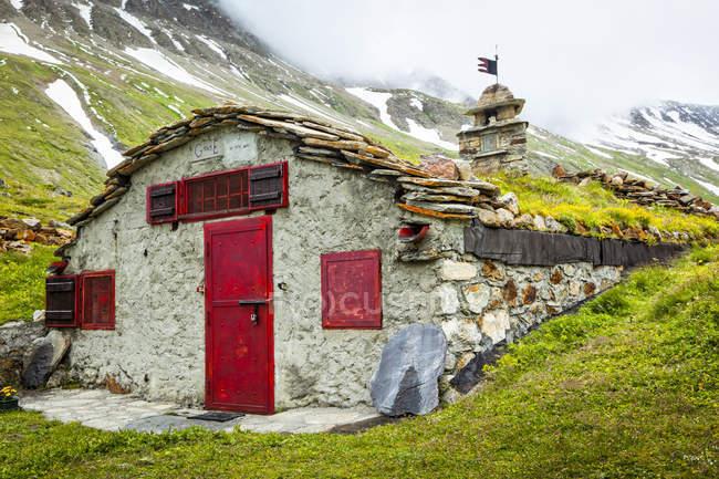 Alte Ruinen von Val Veni, Alpen; Aostatal, Italien — Stockfoto