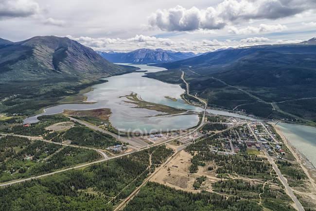 Veduta aerea della città di Carcross; Carcross, Yukon Territory, Canada — Foto stock