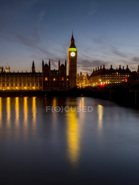 Биг Бен на закате; Лондон, Англия — стоковое фото