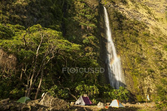 Punlulu cascada, Valle de Lapahoehoe Nui, Costa Hamakua, isla de Hawai, Hawai, Estados Unidos - foto de stock