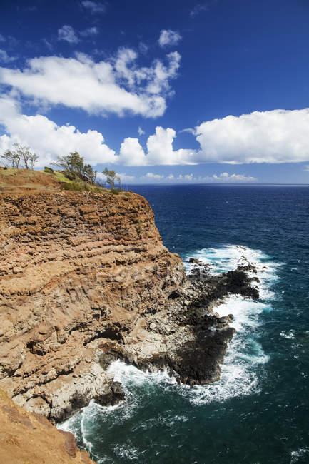 Vista panorámica de la costa cerca de la costa de Kohala del norte, Hawi, Kapaau, isla de Hawai, Hawai, Estados Unidos - foto de stock