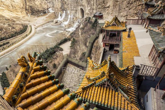 Висячі храму, також відомий як монастир висить або Xuankong храм, поблизу Датун; Китай — стокове фото