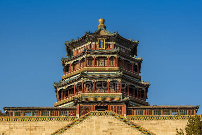 Tower of Buddhist Incense in Longevity Hill, The Summer Palace; Beijing, China — Stock Photo