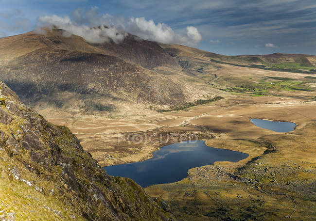 Vista panoramica del Conor Pass sulla penisola di Dingle, contea di Kerry, Irlanda — Foto stock