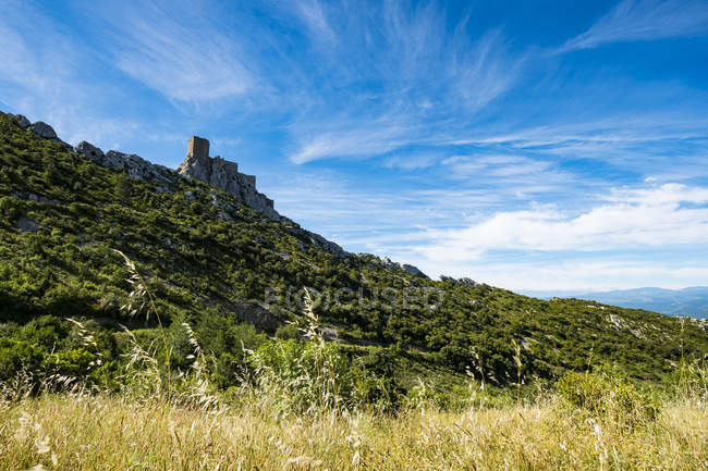 Castle of Queribus within the route of the Cathar castles in the Aude region, Cucugnan, Aude, France — Stock Photo