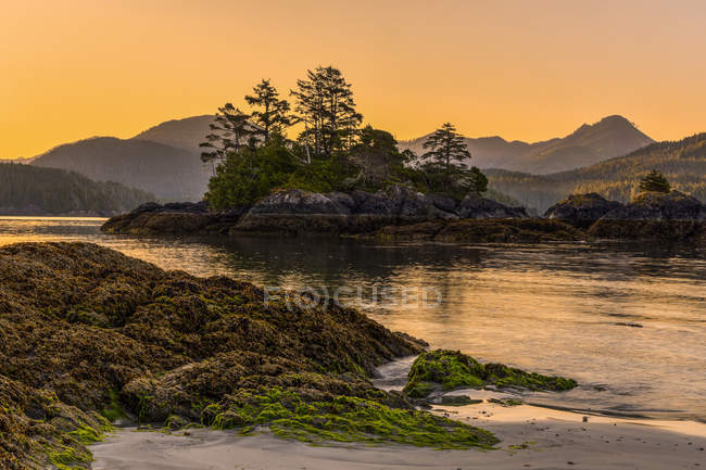View of the Genevieve Range from Benson Point on Nootka Island, Nuchatlitz Provincial Park, British Columbia, Canada — Stock Photo