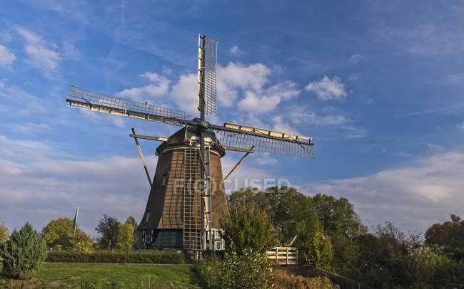 Vue panoramique sur Windmill Riekermolen ; Amsterdam, Pays-Bas — Photo de stock