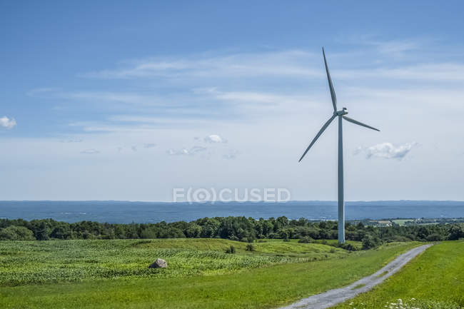 Wind turbine in Northern New York; Lowville, New York, United States of America — Stock Photo