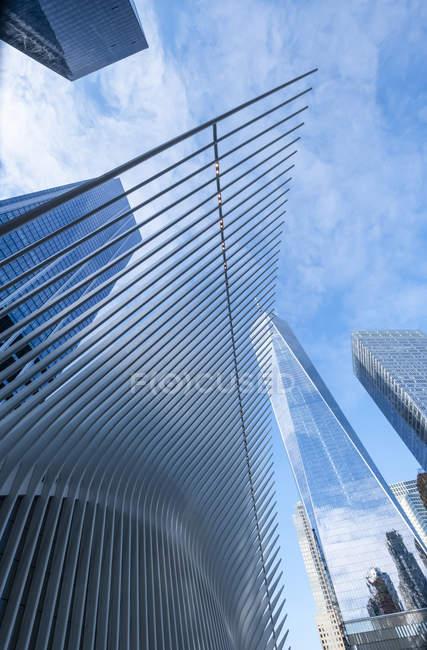 Oculus at the World Trade Center, автор Сантьяго Калатрава; Нью-Йорк, Нью-Йорк, США — стоковое фото