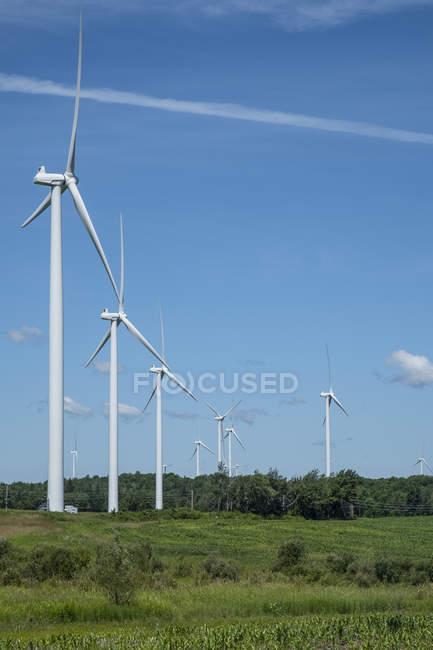 Turbinas eólicas em Northern New York; Lowville, Nova Iorque, Estados Unidos da América — Fotografia de Stock