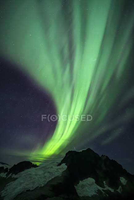 Northern Lights over Juneau Icefield, Tongass National Forest; Alaska, United States of America — Photo de stock