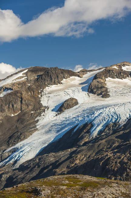 Malerischer Blick auf den harding icefield trail mit kenai Mountains, exit glacier und einem namenlosen See im Hintergrund, kenai fjords nationalpark, kenai peninsula, south-central alaska; alaska, united states of america — Stockfoto