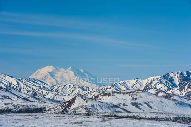 Início da primavera cênica em Denali National Park and Preserve no centro-sul do Alasca, Estados Unidos da América — Fotografia de Stock