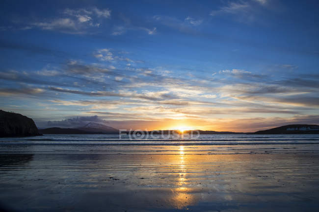 Закат из Даунингс-над-Меркиш-Маунтинс, гора Дерривег, графство Донегал, Ирландия — стоковое фото
