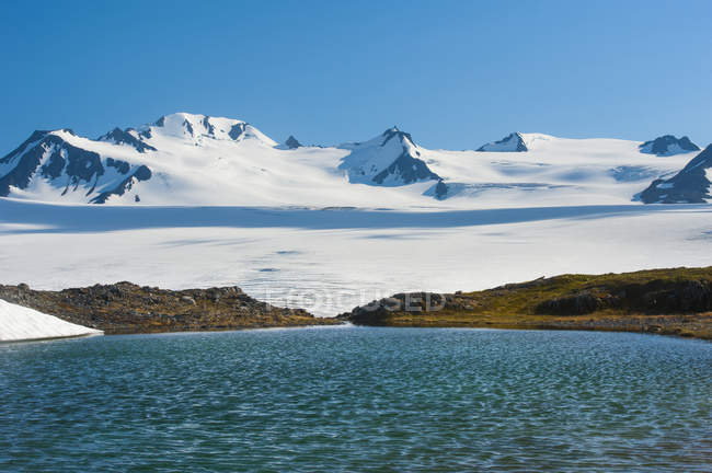 Scenic view of majestic landscape and lake of Kenai Fjords National Park, Alaska, United States of America — Stock Photo