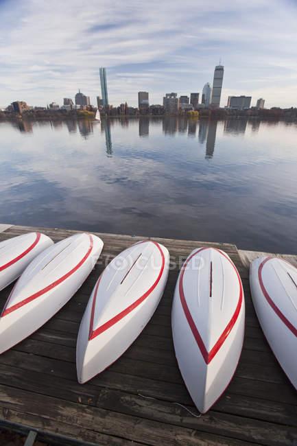 Bateaux au MIT Boathouse, Back Bay, Charles River, Boston, Suffolk County, Massachusetts, États-Unis — Photo de stock