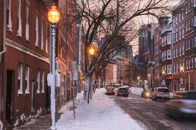 Hannover Street vista dopo il tramonto a Boston, contea di Suffolk, Massachusetts, Stati Uniti — Foto stock