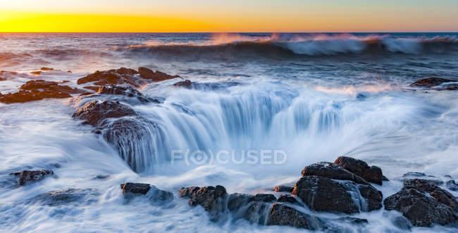 Thors well, cape immerwährendes landschaftliches Gebiet; oregon, vereinigte staaten von amerika — Stockfoto