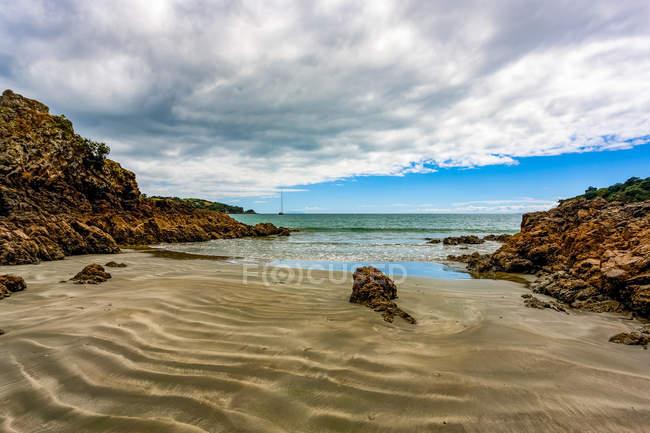 Strand in der Bucht von Oneroa; waiheke island, Neuseeland — Stockfoto