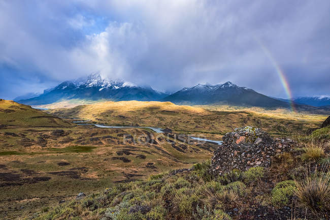 Des paysages incroyables autour du parc national Torres Del Paine du sud du Chili ; Chili — Photo de stock