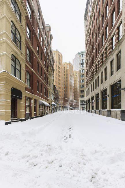 Milk Street view after blizzard in Boston, Suffolk County, Massachusetts, USA — Stock Photo