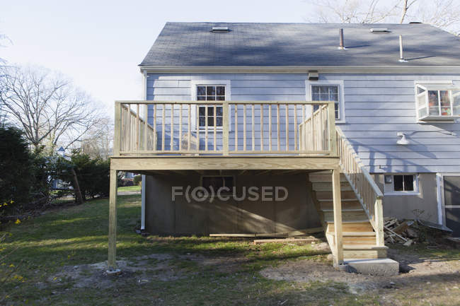 Completed new deck construction on side of private home — Stock Photo