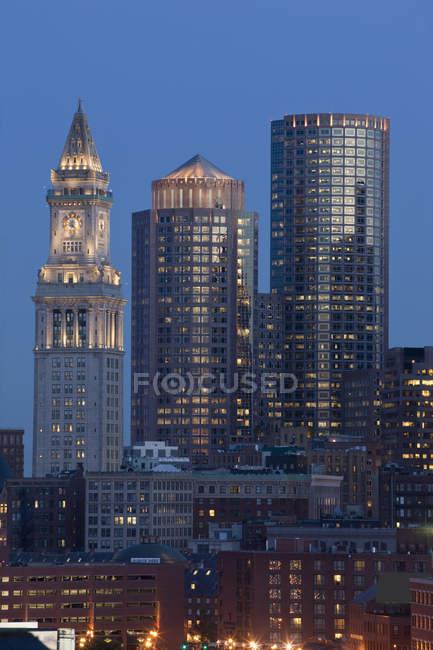 Edificios en una ciudad, Custom House Tower, Boston, Suffolk County, Massachusetts, Usa. - foto de stock