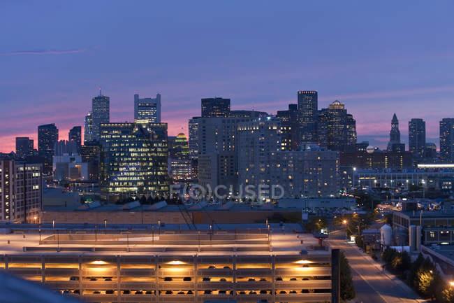Здания в городе, Boston Marine Industrial Park, Seaport District, Бостон, Массачусетс, США — стоковое фото