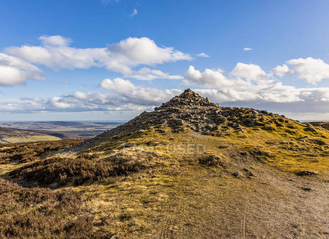 View of a Scottish Cairn and vista towards the North Sea; Scotland — Foto stock