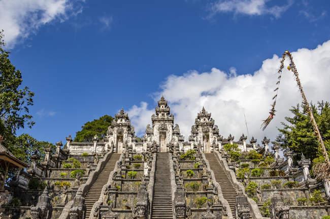 Сценічний вид храму Пура - Лемпуян; Балі (Індонезія). — стокове фото