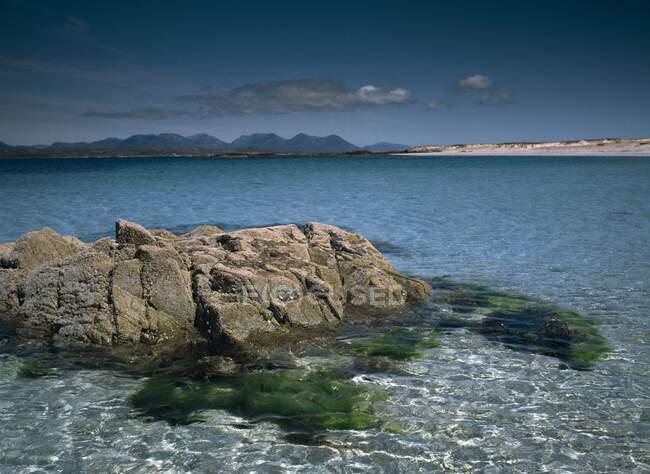 Mannin Bay, Connemara, County Galway, Ireland, Twelve Bens In The Distance — Stock Photo