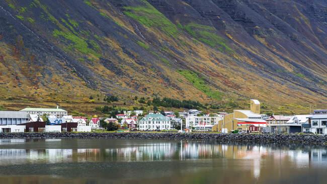 Stadt Isafjorour, Gemeinde Isafjaroarbaer; Isafjorour, Westfjordregion, Island — Stockfoto