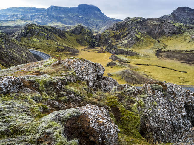 Road winding through the rugged terrain of Southern Iceland; Grimsnes- og Grafningshreppur, Southern Region, Iceland — Stock Photo