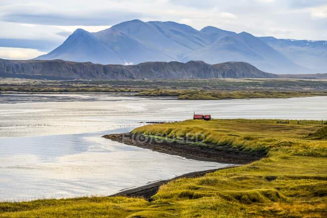 Coastline of Northwest Iceland, Vatnsnes peninsula; Hunaping vestra, Northwestern Region, Iceland — Stock Photo