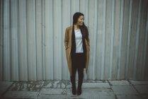 Asian Chinese Woman dans les rues de Madrid, Espagne — Photo de stock