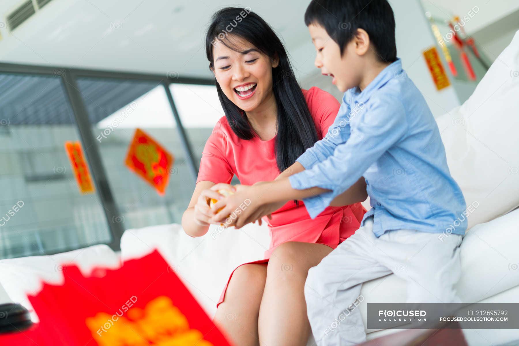 Японская мама учит сына, Японская мама учит - видео likes Hi-Hit 11 фотография