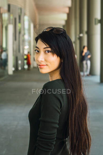 Portrait of beautiful young asian woman — Stock Photo