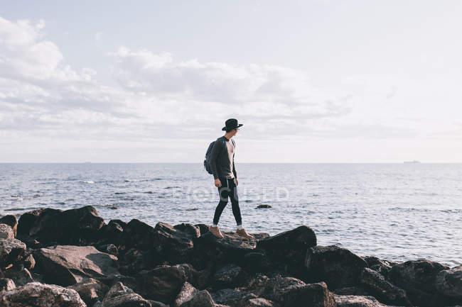 Junger mann bei einem abenteuer in australien — Stockfoto