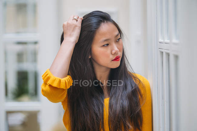Pretty Long Hair Chinese woman portrait — Stock Photo