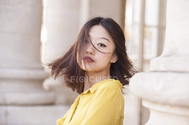 Portrait of young pretty Chinese woman — Stock Photo