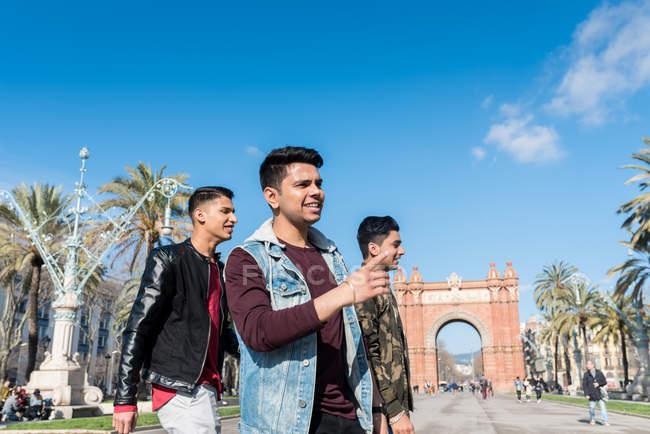 Туристы Индии в Барселоне — стоковое фото