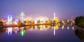 Lighted Cannstatter Wasen fairground, Stuttgart - foto de stock